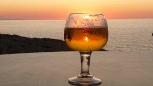 Cerveza helada a última hora del día