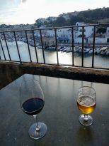 Copas en la terraza de Cas Consol con vistas al puerto de Ciutadella