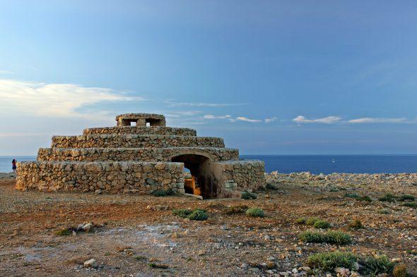 Punta Nati Lighthouse