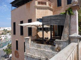 Terraza de Cas Cònsol vista desde fuera.