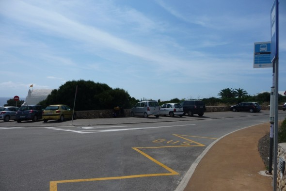 Parking de Binidalí junto a la playa