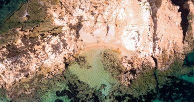 Vista Aérea de la playa del escull de Pregnda