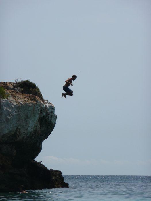 Salto en Cala En Turqueta
