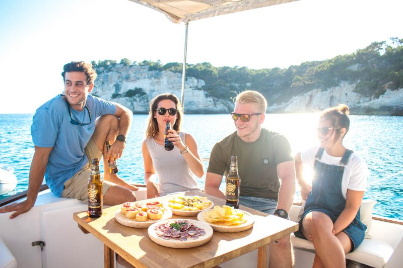 Excursión compartida Menorquina Charter