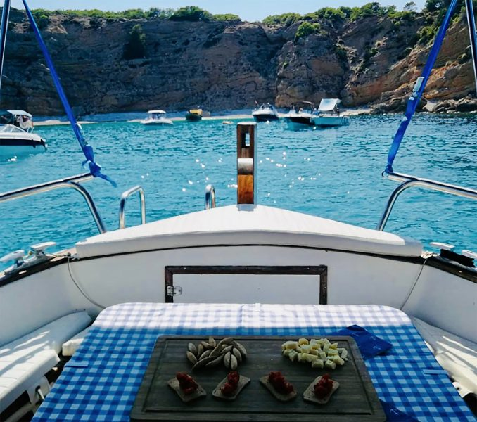 Aperitivo a bordo del Laut Portobello