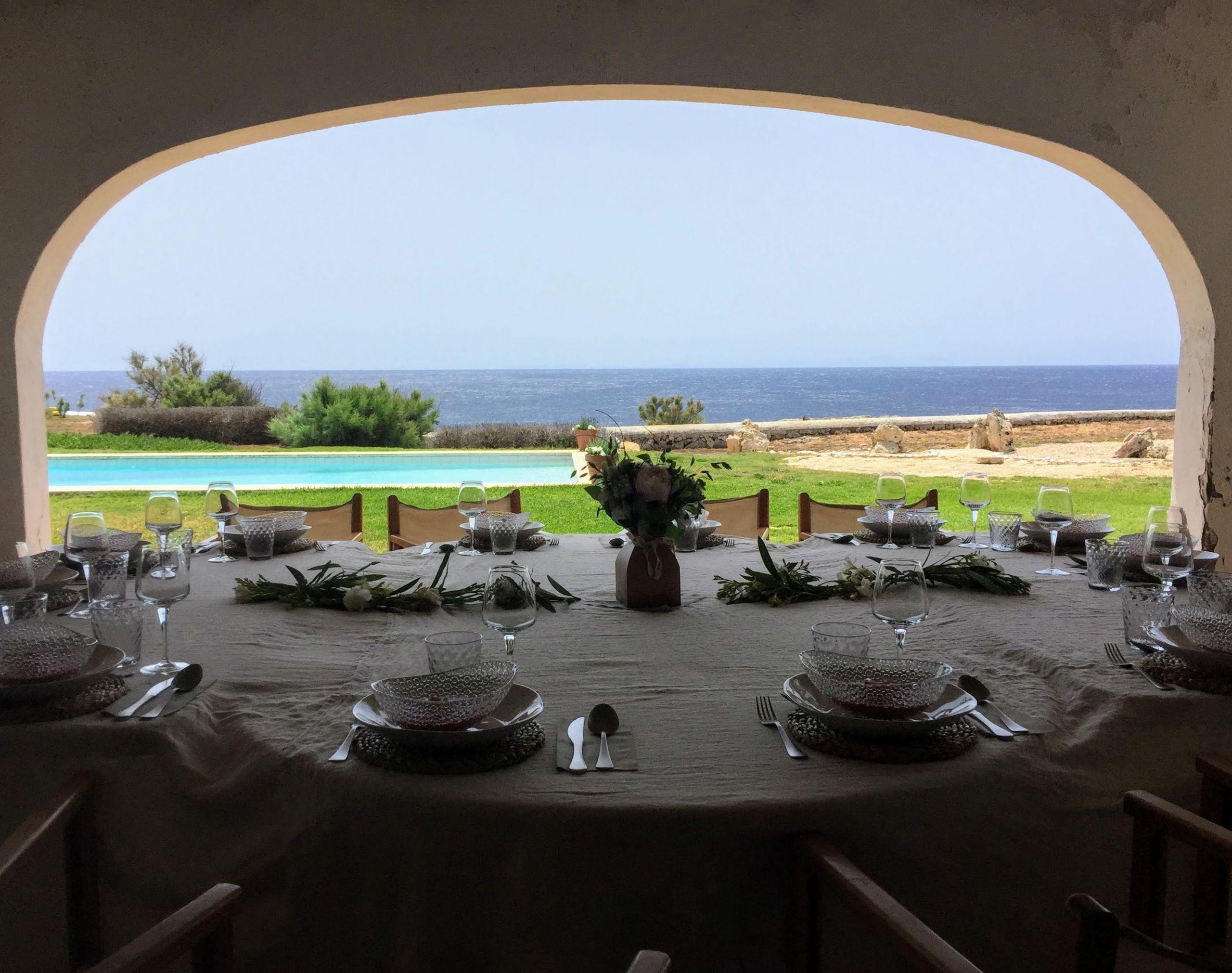 Porche de la casa con vistas al mar