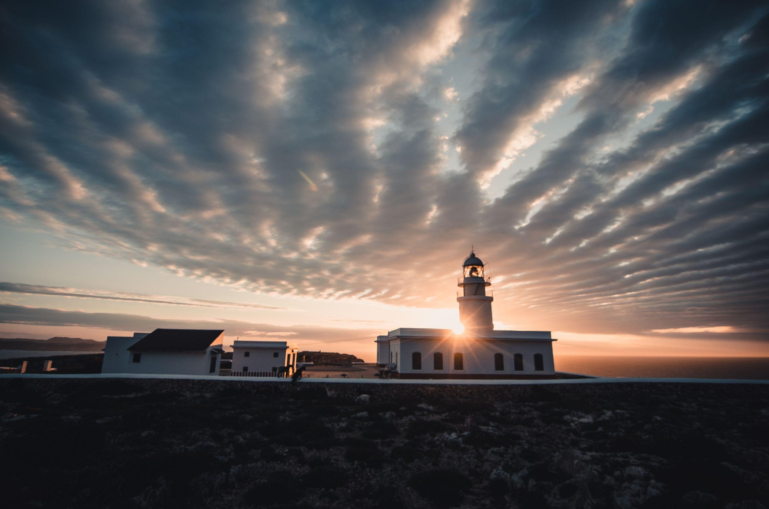 Puesta de Sol en el Faro de Cavalleria - Starlight
